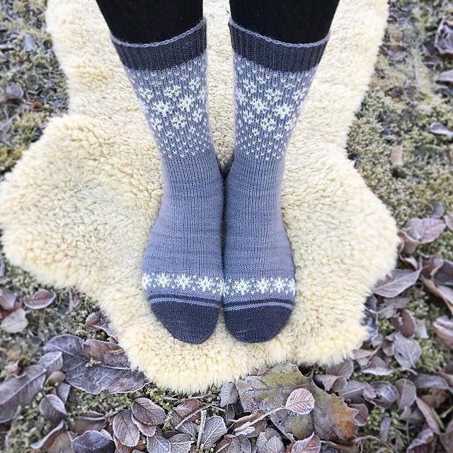 Ravelry: Runningyarn2's Wishing for Snow Socks