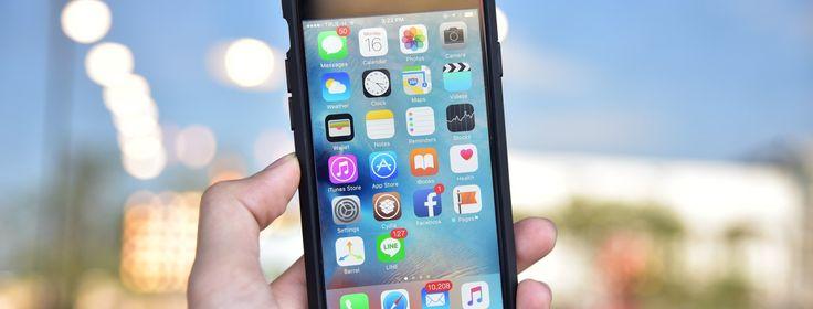 Het duurde even, maar ik heb me dan toch ook eindelijk in de wereld van de apps verdiept. Ik vond een ipad in de klas eigenlijk maar onzin en was tot voor kort nog enorm gelukkig met mijn internetloze toetsentelefoon.Nu piep ik wel anders enzit ik eigenlijk te veel aan mijn telefoon geplakt. Zeker voor mijn werk gebruik ik mijn telefoon meer dan ooit, want er zijn ontzettend veel leuke en handige apps voor leerkrachten.