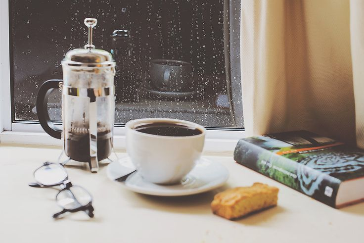 Homebrewed coffee and a rusk with your favourite book? We'll provide.