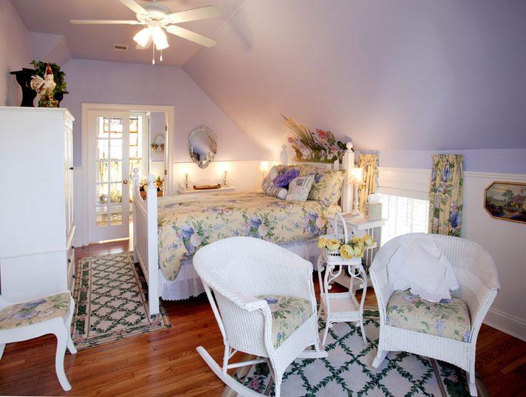 Victoria's Irish Garden Spa Suite: The Empress of Little Rock  The Empress of Little Rock 2120 Louisiana St. Little Rock, Arkansas 72206 Phone: (501) 374-7966 hostess@theempress.com