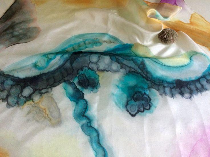 #carré #seda #elgatodeseda #taller Nathalie Rousselet. Inspirado en las #medusas.