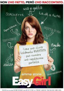 Olive (Emma Stone) è una ragazza carina ma insignificante, che pur di sfuggire ad un campeggio con la famiglia un po' assurda dell'amica Rih...