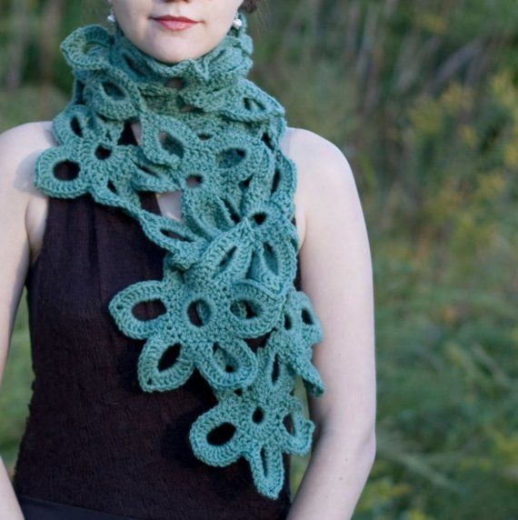 Flower green crochet scarf, this makes me want to learn to crochet...inspiration.