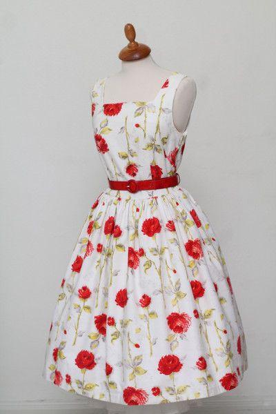 Noget ligende: Blomstret sommerkjole 1950. M