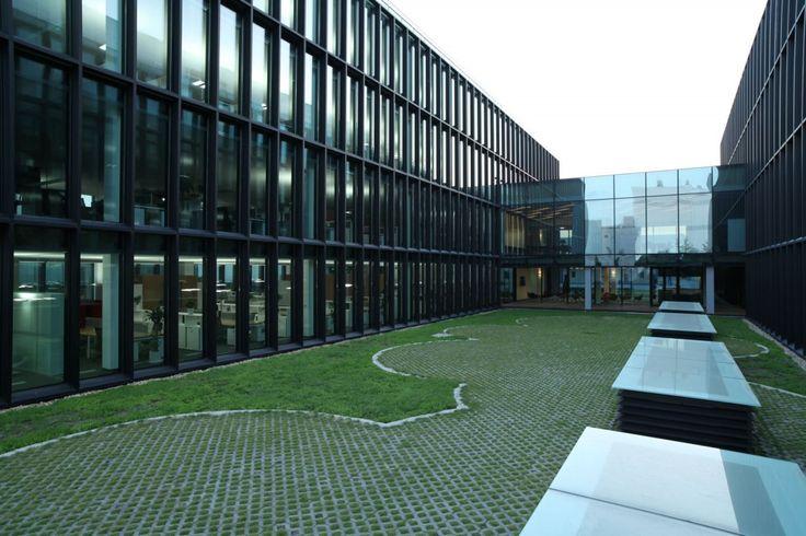 Shanghai Roche Master Plan  Office Building / EXH Design