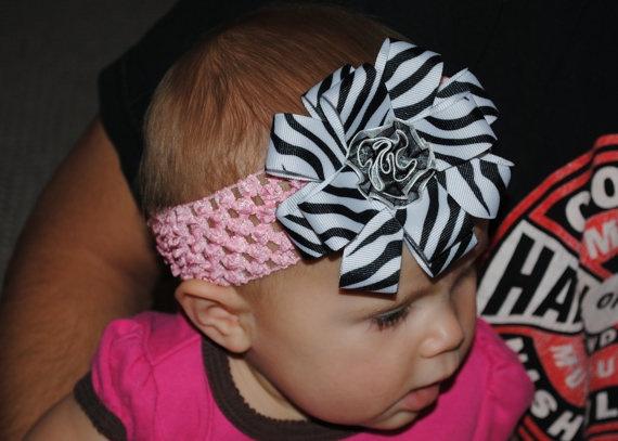 Custom ribbon hair bow! $6