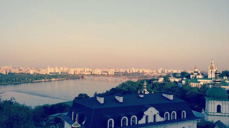 Всех с победой друзья! Нужно помнить и быть благодарными за все что у нас есть сейчас!  #nofilter #nofilters #kiev #may #pechersklavra #cityscape #citylife #landscape #top #instafamous #russian #ukraine #ukrainian #victory #деньпобеды #победа #история #киев #лавра #пейзаж #город #печерск #днепр #Dnipro - #9мая #9маяденьпобеды #ветераны #благодарность #lifeisgood