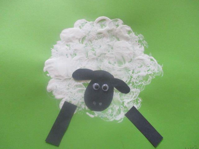 ovečka - tiskání korkovou zátkou