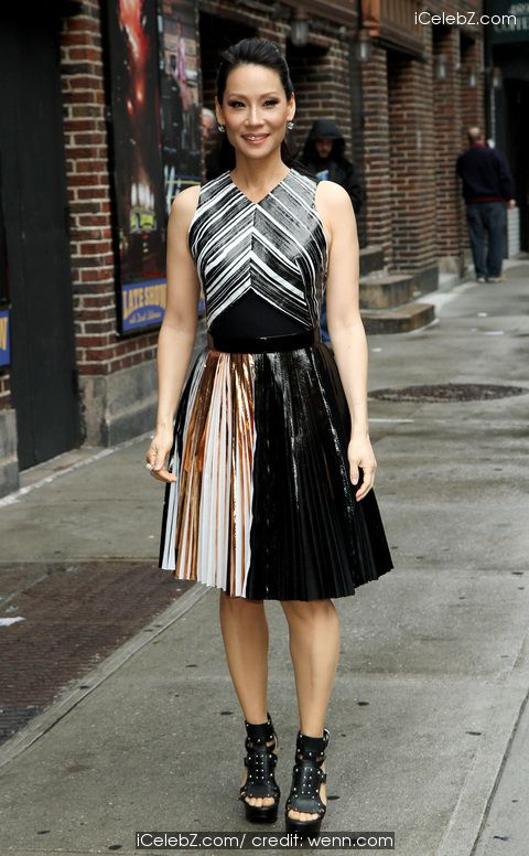 Lucy Liu outsider the Ed Sullivan Theater for her taping on the Late Show with David Letterman http://icelebz.com/events/lucy_liu_outsider_the_ed_sullivan_theater_for_her_taping_on_the_late_show_with_david_letterman/photo3.html