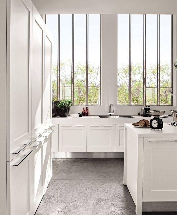 Con le Cucine LUBE puoi realizzare composizioni dalle forme semplici e lineari. Esplora la nostra galleria ---> http://www.magic-house.it/galleria #design #arredamento