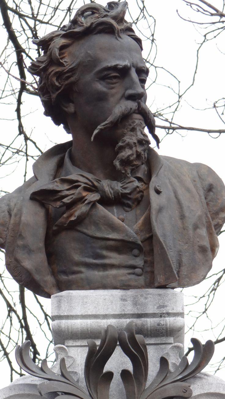 Jean-Baptiste Carpeaux, né le 11 mai 1827 à Valenciennes et mort le 12 octobre 1875 à Courbevoie. Sculpteur, peintre et dessinateur.