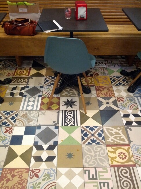 17 best images about carreaux de ciment on pinterest mosaics blanco y n - Carreaux ciment patchwork ...