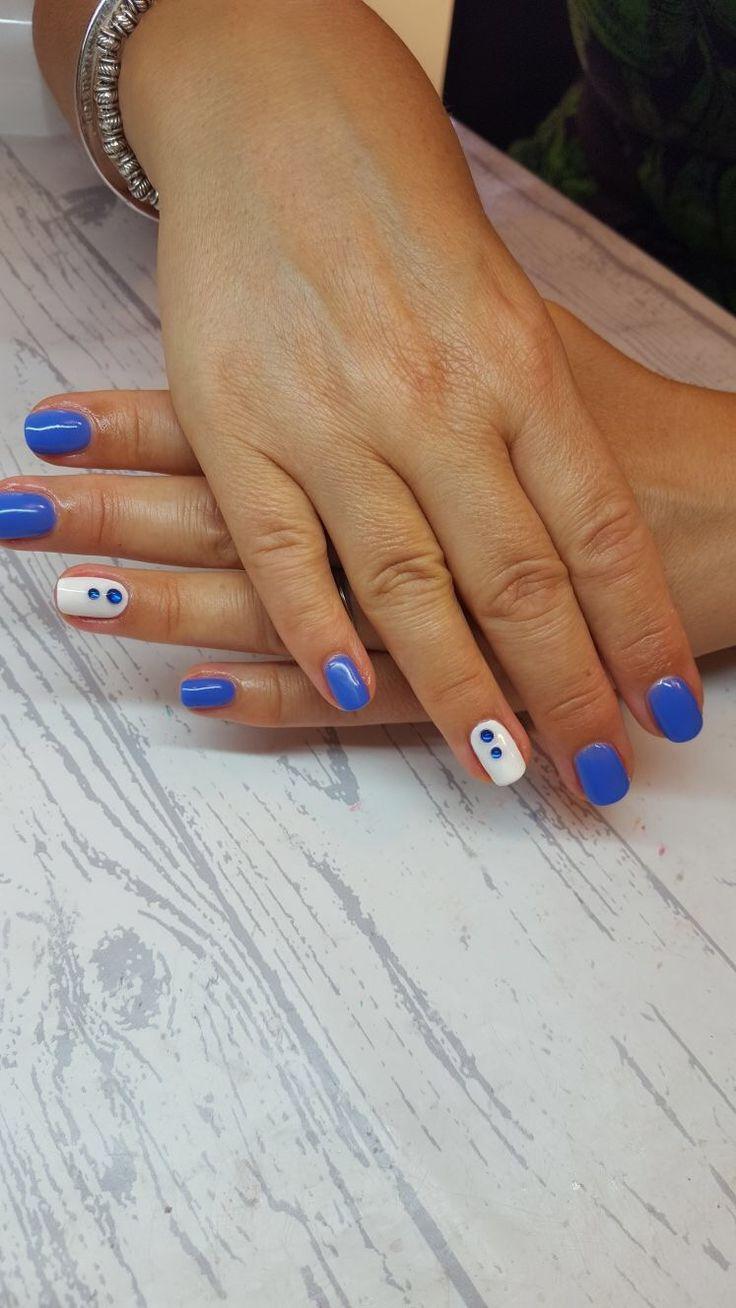 Nail art spring 2017 Inky blue