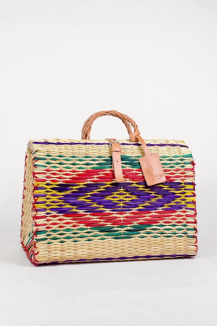 Toino Abel - Traditional Handmade Reed Baskets from Portugal: ;