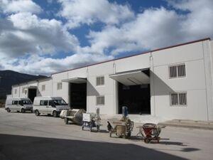 Centro de Formación y máquinas que utilizamos para la proyección de mortero temático o tixotrópico