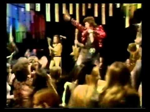 Gary Glitter's No.1 UK song from 1973 performed on TOTP ... another legend from the UK glam rock era of the early 70's.
