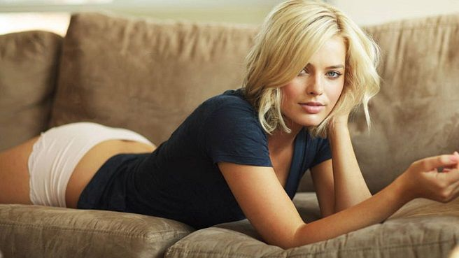 Margot Robbie Height and Weight, Bra Size, Body Measurements