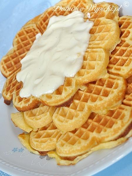 Gofry waniliowo- jogurtowe
