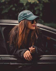 Óticas Multi Ótica - Estilo Próprio By Sir oculos feminino, oculos 2020, armação | Poses de fotos menina, Poses femininas, Poses fotográficas