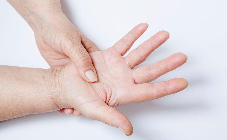 Fibromyalgie is een van de meer dan 100 reumatische aandoeningen en betekent letterlijk: pijn in spieren en bindweefsels. Het valt in de categorie wekedelenreuma, een vorm van reuma waaraan in Nederland 460.000 mensen lijden (TNO-rapport 2007).