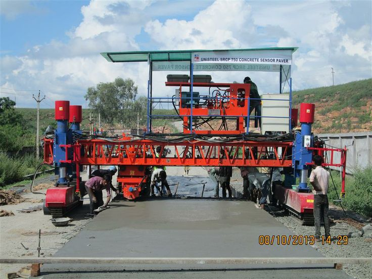 Civil Construction equipment for concrete road project and Airport Taxiway projects, The UNiSTEEL SRCP 750 is working on track chain with Electronic Sensor for grade and steering, it can work up to slab height fro 75 mm to 500 mm and width from 3 meter to 20 meter concrete lining at a time