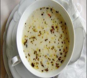 Yoğurtlu Şehriye Çorbası http://www.corbatarifi1.com/