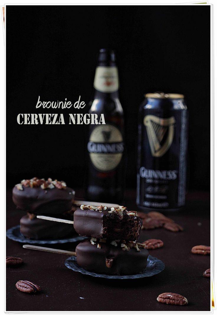 Polos de brownie cerveza negra | Con las zarpas en la masa