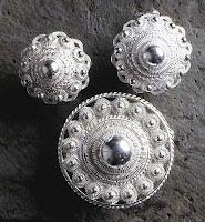 P8 Buttons & Fabrics: Buttons : Zeeuwse Knoop or Button from Zeeland