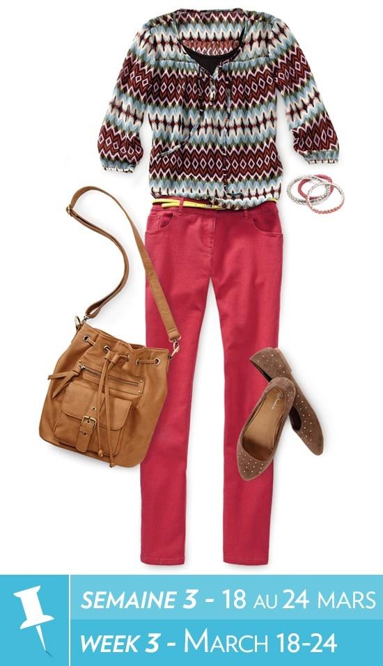 Soft blouse, cami, skinny belt, coloured denim, bracelet, studded flats, bucket bag / Blouse fluide, cami, ceinture étroite, denim coloré, bracelets, mocassins à clous, sac #reitmans #reitmanspinittowinit
