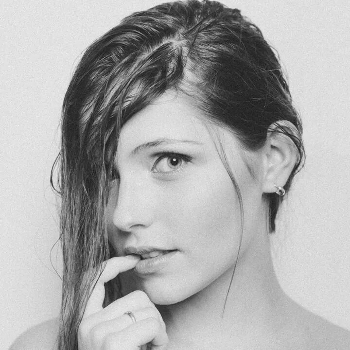 Au Naturale Model: Gabriela Barivieira Makeup and Hair: Ly Moreira Photo: Michel Flores