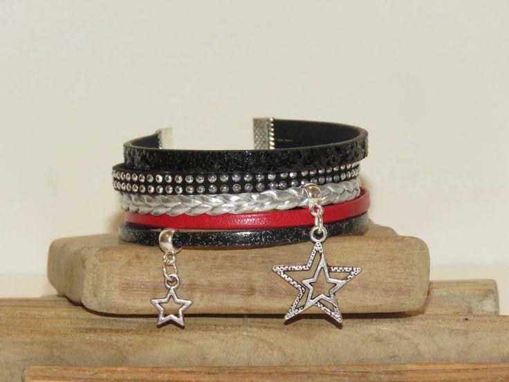 """Bracelet Manchette """"star du rock"""" en cuir paillettes, cuir, suédine cloutée, coloris noir, rouge et argent : Bracelet par pimprenelle-coccinelle-creations"""