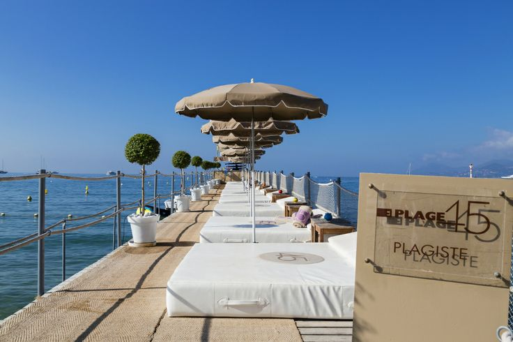 Ponton de la Plage du Grand Hôtel de Cannes.  #relaxation #sea #croisette #plage #privée #private #beach