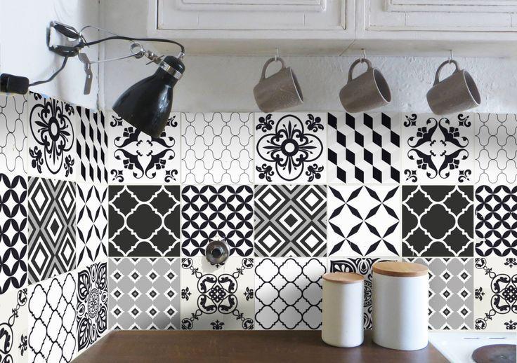 Fliesenaufkleber, Kachelaufkleber, Fliesentattoo für die Küche. Marokkanisches Flair für die Küche - Fliesenfolie in Schwarz-Weiß, Küchenfliesen upcycling mit Fliesenstickern. Inspiration für Küche aufwerten mit wenig Aufwand - neue Küche ohne Umbau