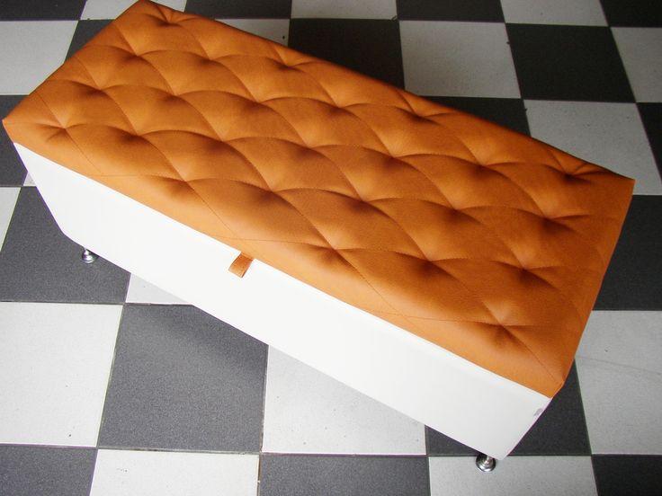 Puff Baul Mr Puff bicolor nearanja y blanco en cuero sintetico
