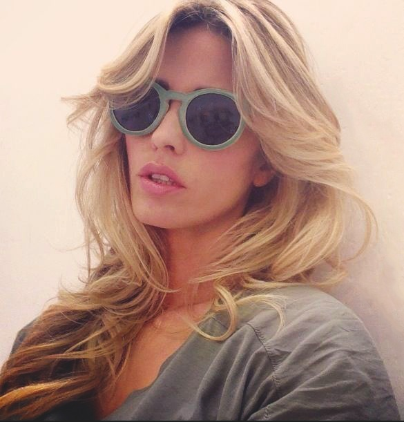 Elena Santarelli With New #Sunboo #Bicolor #bamboo #sunglasses #wood #sunglasses #nature #green #natural