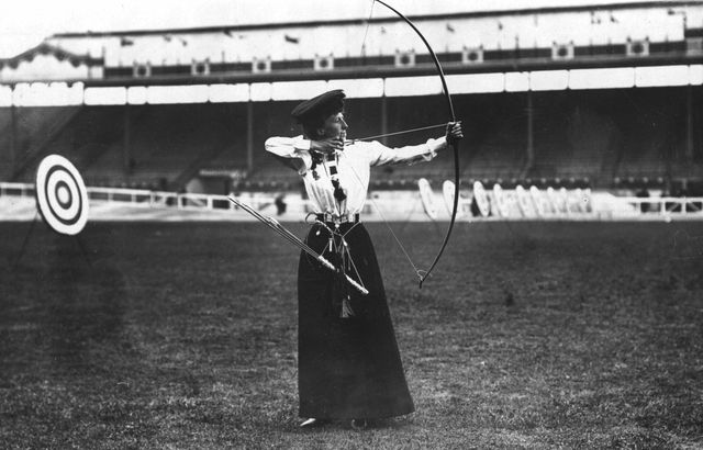 Pictures of Women at the Summer Olympics: 1908 - Queenie Newall
