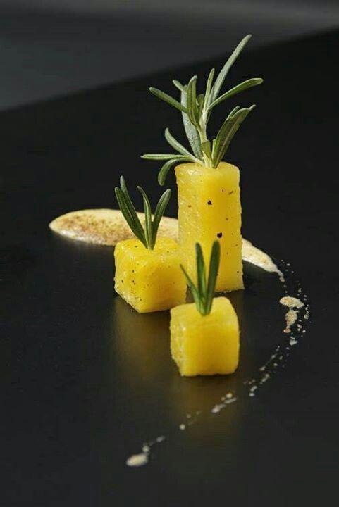 Apéritif, ananas, romarin