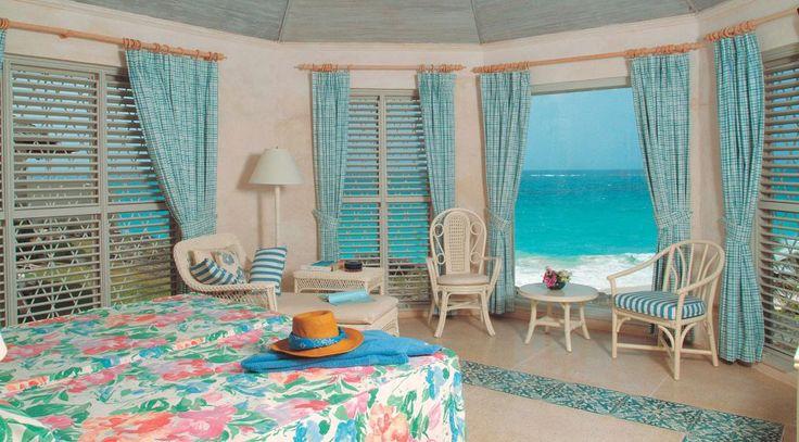This 3-bedroom Barbados luxury villa is a gracious yet informal vacation retreat.