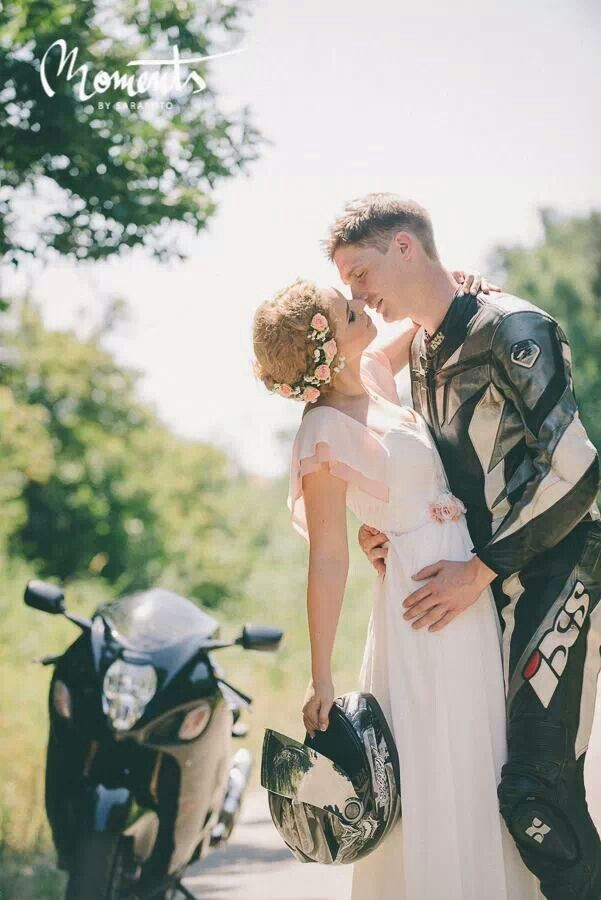 Bride, groom, motorcycle, posings, outfit by Sarafoto.ro