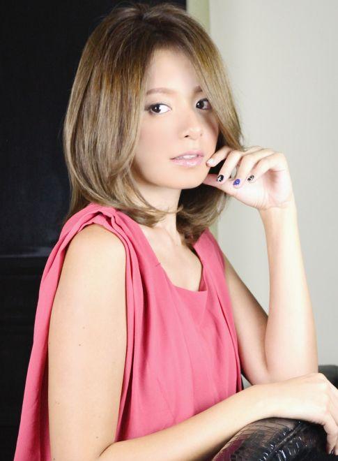 大人セクシートップ&後ろボリュームミディ 【livingu omotesando】 http://beautynavi.woman.excite.co.jp/salon/25126?pint ≪ミディアム・ヘアスタイル・medium・hairstyle・髪形・髪型≫