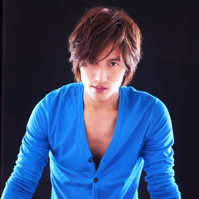 Jerry Yan is adorable and yet can also be cool. Love his goofy smiles
