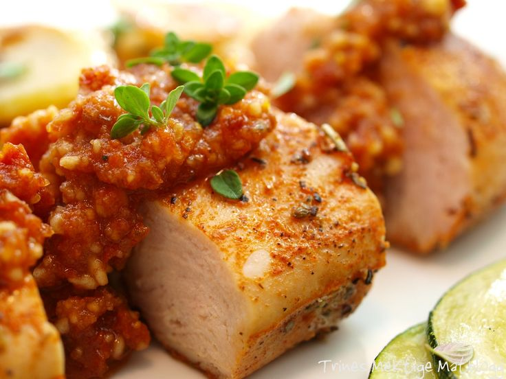 » Kylling med rød pesto, stekt squash og timianpoteter