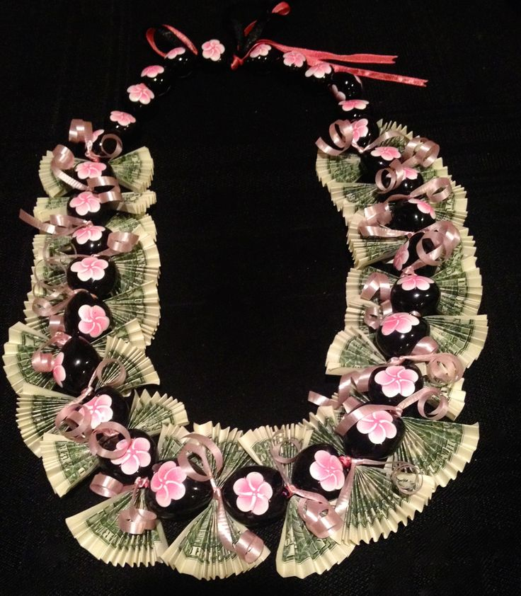 Money Lei for the girly girls! Great for graduatio…