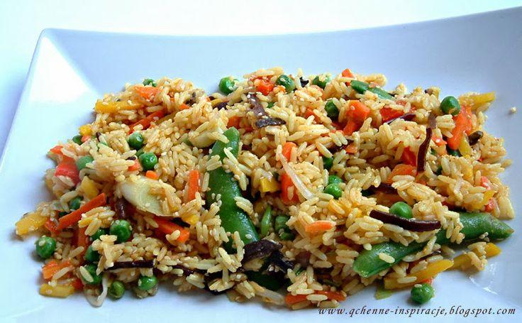 Przepisy Fit: Dietetyczna wersja smażonego ryżu z warzywami.