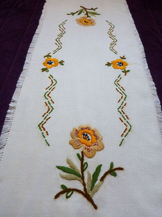 vintage hand embroidered table runner tablecloth floral embroidery flowers roses Fringe