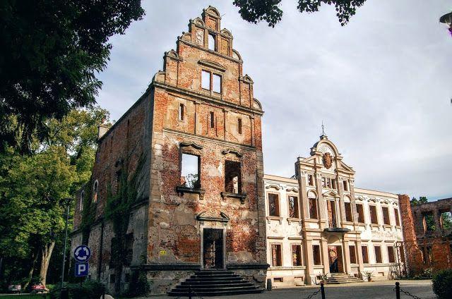 Amelii podróże małe i duże: Ruiny pałacu Hatzweldów w Żmigrodzie