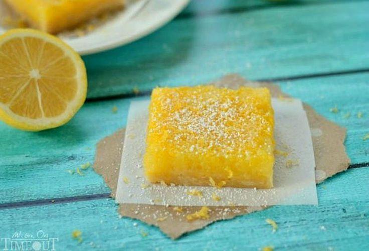 Pastelitos de limón al microondas o lemon bars en menos de 15 minutos están listos. Textura delicada con un intenso sabor a limón.