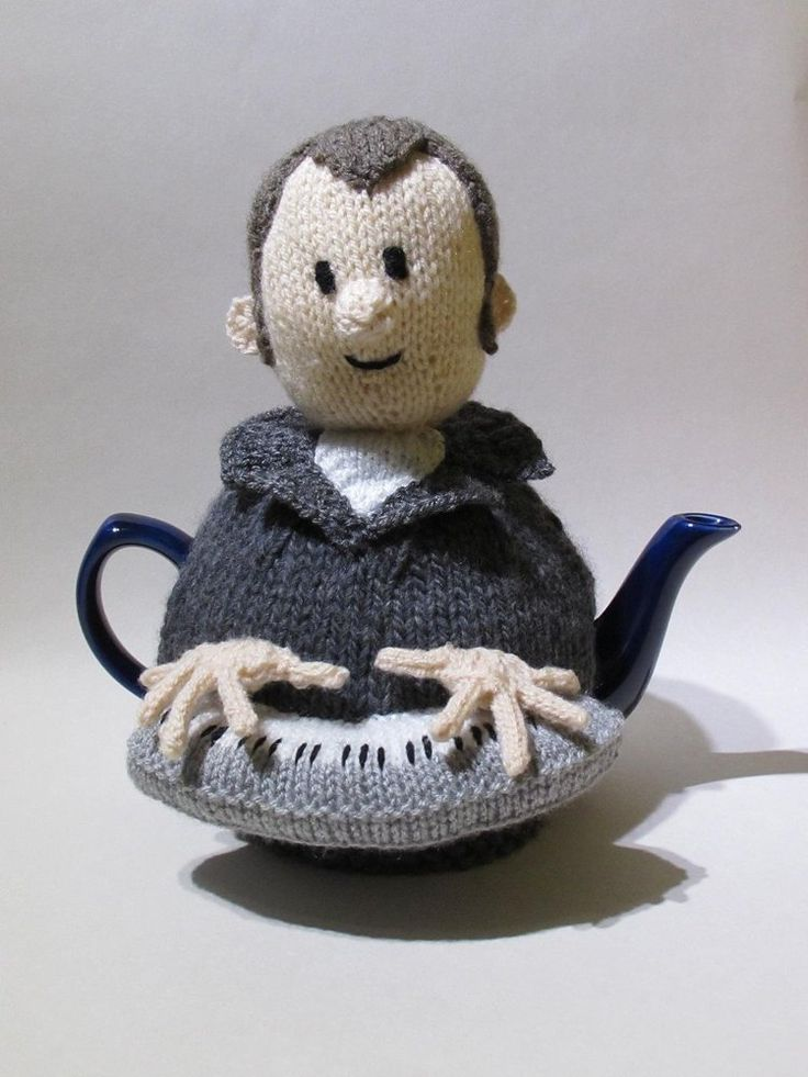 Knitted Teapot Cosy Patterns : 1000+ ideas about Tea Cosies on Pinterest Tea Cozy, Tea Cosy Knitting Patte...
