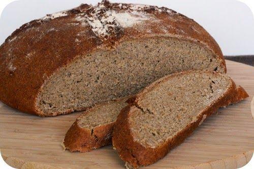 """Beim letzten selbstgebackenen Brot sagte T. nach dem ersten Bissen: """"Schon nicht schlecht, aber der fertige Sauerteig schmeckt einfach nach..."""