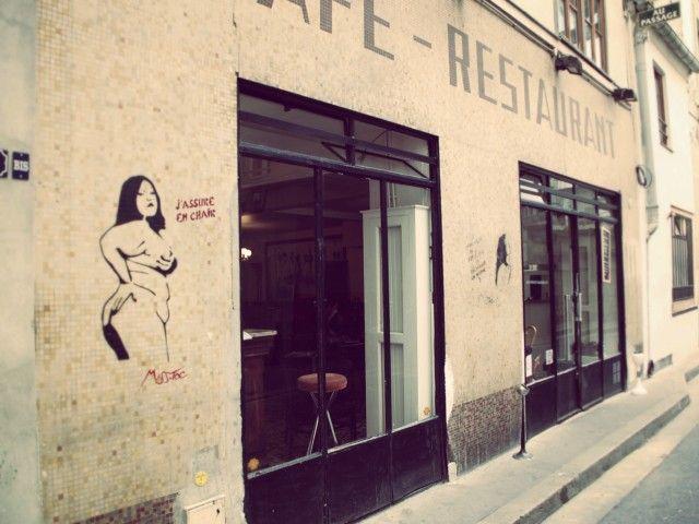 Bienvenue sur le site du restaurant Au Passage à Paris - Restaurant - Bar à Tapas - Bar à vin, consultez des avis clients et réservez en ligne gratuitement - FOODING D'AMOUR guide 2012 Dans un happy brouhaha ...